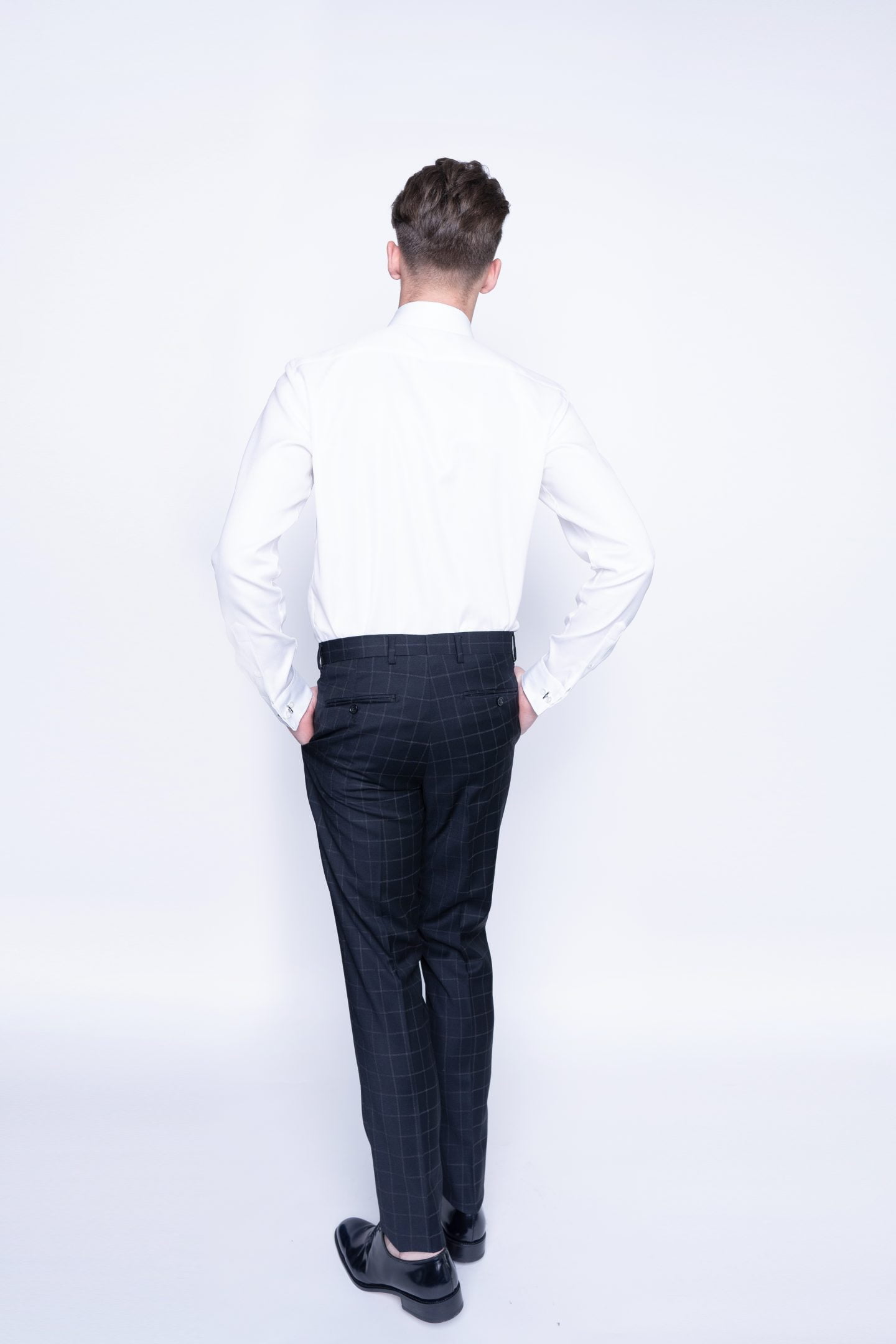 kostiuminės kelnės