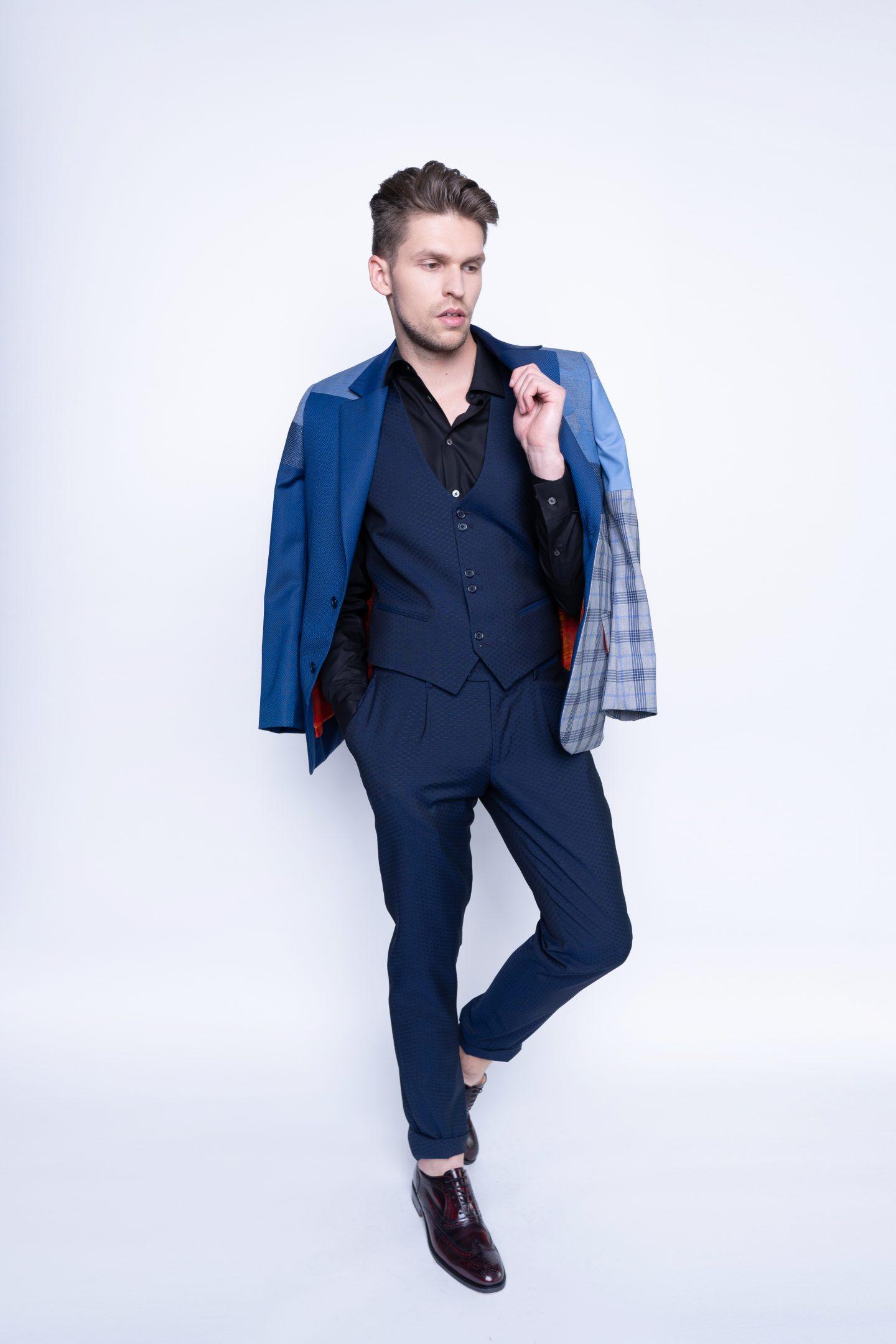 įdomesnės mėlynos kelnės